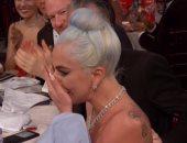 """صور ... ليدى جاجا تبكى بعد فوزها بجائزة أفضل أغنية فى """"جولدن جلوب"""""""