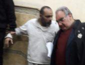 جنايات القاهرة تحيل نجل الفنان المرسى أبو العباس للمفتى لقتله زوجته وطفلتيه