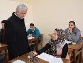 رئيس جامعة المنوفية يتفقد امتحانات كلية الهندسة.. صور