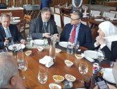 سفير مصر بلبنان يلتقى رئيس وأعضاء لجنة الصداقة البرلمانية اللبنانية