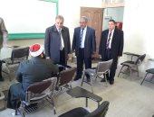 """رئيس جامعة الأزهر  يتابع لجان امتحانات فرع"""" الدراسة """" ويطمئن على الطلاب"""