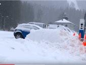 شاهد.. عاصفة ثلجية تشل حركة المواصلات فى جنوب ألمانيا والنمسا