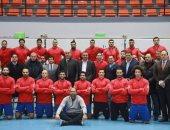 منتخب مصر لكرة اليد يرتدى القميص الأحمر والشورت الأسود أمام الدنمارك