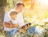 قراءة الآباء مع أطفالهم بانتظام تحسن مهاراتهم اللغوية.. اعرف تفاصيل الدراسة