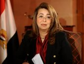 """وزيرة التضامن: تم التعامل مع 805 حالة من المشردين فى حملة """"إحنا معاك"""""""