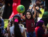 صورة اليوم.. الفرحة فى عيون الأطفال بالدنيا