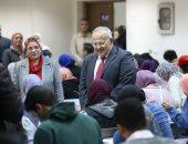 رئيس جامعة القاهرة يوجه بـ10 دقائق زيادة بامتحان لكلية التجارة