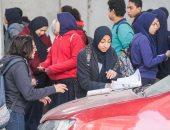 طالب يرفض كتابة اسمه على الإجابة بالخانكة ومنع دخول آخر لتأخرت بشبرا الخيمة