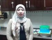 """صور.. """"سامية وسوسن"""" شقيقتان رفضتا البطالة وعملتا فى الحلويات والمشغولات اليدوية"""