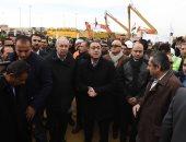 رئيس الوزراء يدشن بدء العمل فى منطقة النهر الأخضر بالعاصمة الإدارية الجديدة