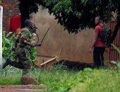 صور.. جنود يجوبون شوارع زيمبابوى بعد احتجاجات عنيفة