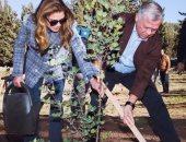 """ملك الأردن وقرينته يشاركان فى غرس الأشجار فى غابة  """"الكمالية """""""