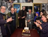 لجنة تحكيم مسابقة الفيلم المصرى بجمعية نقاد السينما تحتفل بعيد ميلاد أحمد وفيق