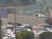 سقوط حاوية على 4 سيارات داخل ميناء الإسكندرية بسبب شدة الرياح