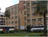 انهيار نوافذ أحد مدرجات جامعة الاسكندرية بسبب قوة الرياح
