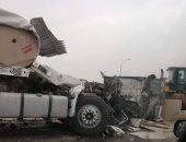 """إصابة سائق في انقلاب مقطورة بطريق """"بلبيس – العاشر من رمضان"""" الصحراوي"""
