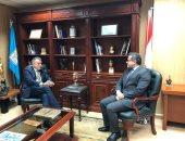 وزير الآثار يلتقى سفير دولة السويد لبحث سبل التعاون
