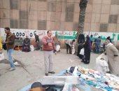 صور.. حملة لإزالة إشغالات سوق الجمعة.. وإصلاح كسر ماسورة بالأسكندرية