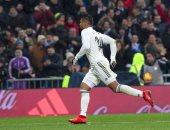 ريال مدريد يرتقى لثالث الدورى الإسبانى بفوز صعب ضد إشبيلية.. فيديو