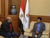 وزير الرياضة يبحث مع رئيس اتحاد الاسكواش الاستعدادات للبطولات الدولية
