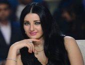 صافيناز تعود إلى مصر 29 يناير بعد عزاء والدها بموسكو