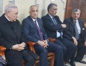 صور.. طارق عامر ورؤساء بنوك يقدمون واجب العزاء فى وفاة والدة وزير المالية