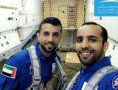 أول رائدى فضاء فى الإمارات يخضعان لتدريب ارتداء بدله فى 25 ثانية.. فيديو