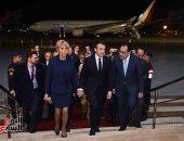 فيديو.. إيمانويل ماكرون يصل القاهرة للقاء الرئيس السيسي