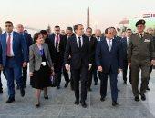 الصفحة الرسمية للرئيس تنشر صورا لزيارة السيسى وماكرون للعاصمة الإدارية