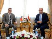 وزير الطيران المدنى يلتقى سفير التشيك بالقاهرة لبحث سبل التعاون المشترك