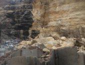 محافظ القاهرة ينتقل لمنطقة انهيار صخرة منشأة ناصر