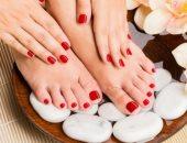 العناية بالجسم مهمة فى الشتاء.. تخلصى من جفاف قدميك والجلد الميت فى 9 خطوات