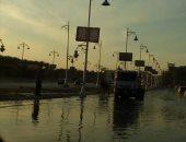 قارئ يطالب بإصلاح ماسورة مياه مكسورة بشارع التسعين فى التجمع