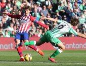 أتلتيكو مدريد يرفض استغلال سقوط برشلونة بالخسارة أمام بيتيس.. فيديو