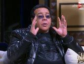 """أحمد آدم سواق فى فيلمه """"صابر وراضى"""" ويعانى مع ملياردير"""