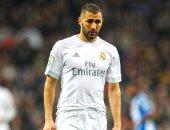 بنزيما يثير القلق فى ريال مدريد قبل مواجهة أياكس فى دورى الأبطال