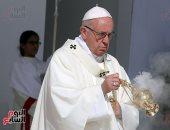 وصول البابا فرنسيس لاستاد مدينة زايد وبدء مراسم القداس