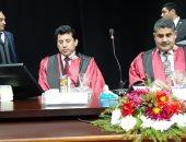 وزير الشباب يمنح باحثة درجة الدكتوراة بكلية التربية الرياضية فى جامعة طنطا