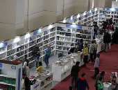 الناشرون العرب يجتمعون على أن فصلهم عن المصريين خطأ فى معرض الكتاب