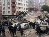 فيديو وصور.. لحظة انهيار مبنى سكنى من 8 طوابق فى تركيا