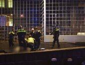 فيديو وصور.. اشتباكات مسلحة بين الشرطة الهولندية وشخص قرب البنك المركزى