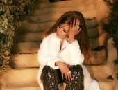 صور.. نيولوك جواهر فى كواليس كليبها الجديد «شمس الغربة»