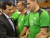 وزير الشباب والرياضة يشهد مباراه السوبر للكره الطائرة جلوس