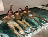 فى مسبح صغير.. هكذا  احتفل راموس ومودريتش وفاران بفوز الريال بديربى مدريد