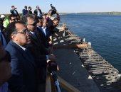 صور.. رئيس الوزراء يتفقد كوبرى كلابشة بأسوان