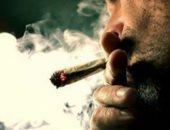 البحث عن عاطل وراء إمداد اثنين من تجار المخدرات بالحشيش فى الجيزة