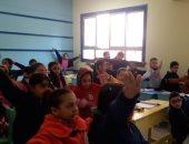صور.. انتظام الدراسة فى 2400 مدرسة بالإسكندرية