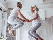 5 دقائق من القفز يوميا تحمى النساء بعد انقطاع الطمث من الكسور