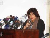 وزيرة الثقافة تستقبل الطالبة بائعة التين وتدعمها بمنحة فى مركز تنمية المواهب
