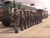 """شاهد.. الشرطة العسكرية الروسية تؤمن عودة قافلة إنسانية من """"مخيم الركبان"""""""